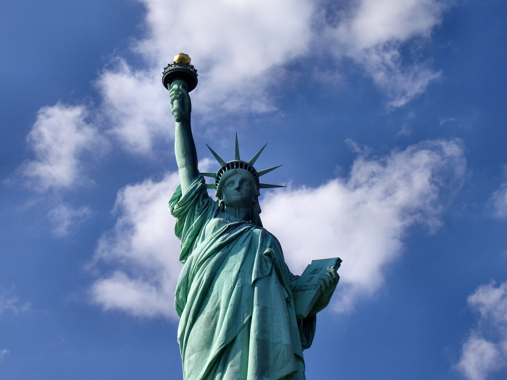 cloud-sky-new-york-manhattan-monument-statue-675349-pxhere.com.jpg